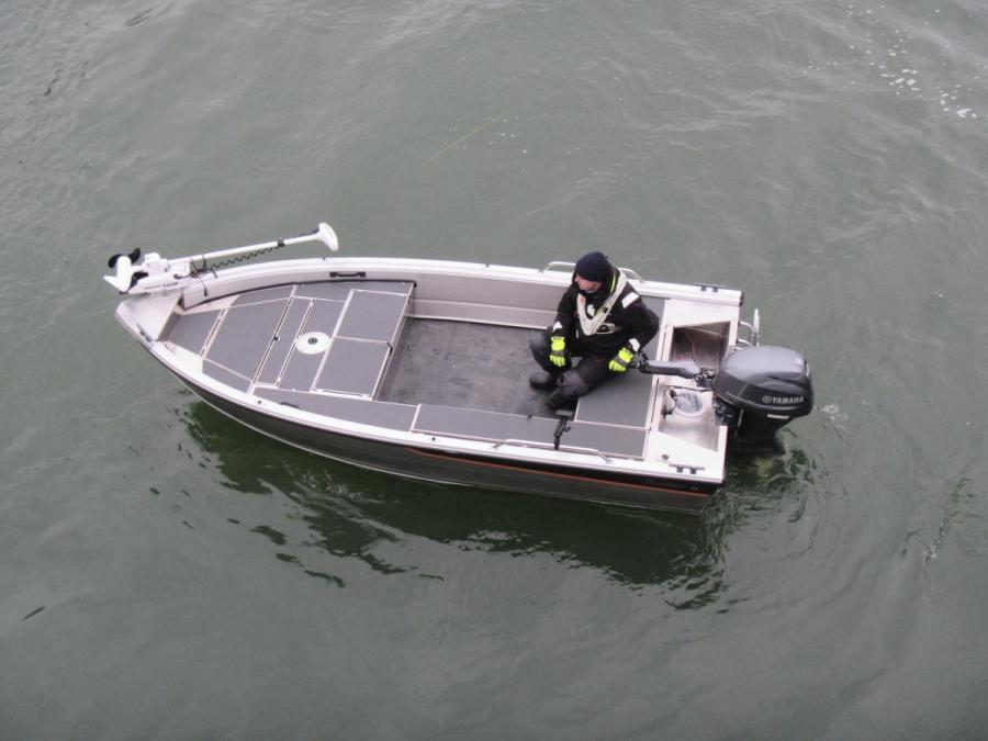 Buster S 2017 med fiskeutrustning