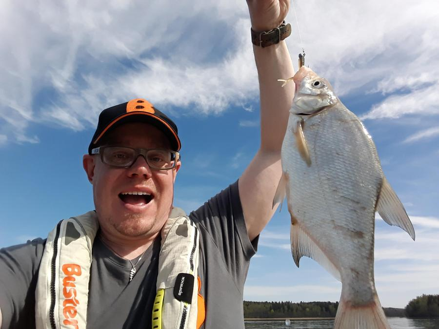 Buster kalastusopas Jani Ollikainen