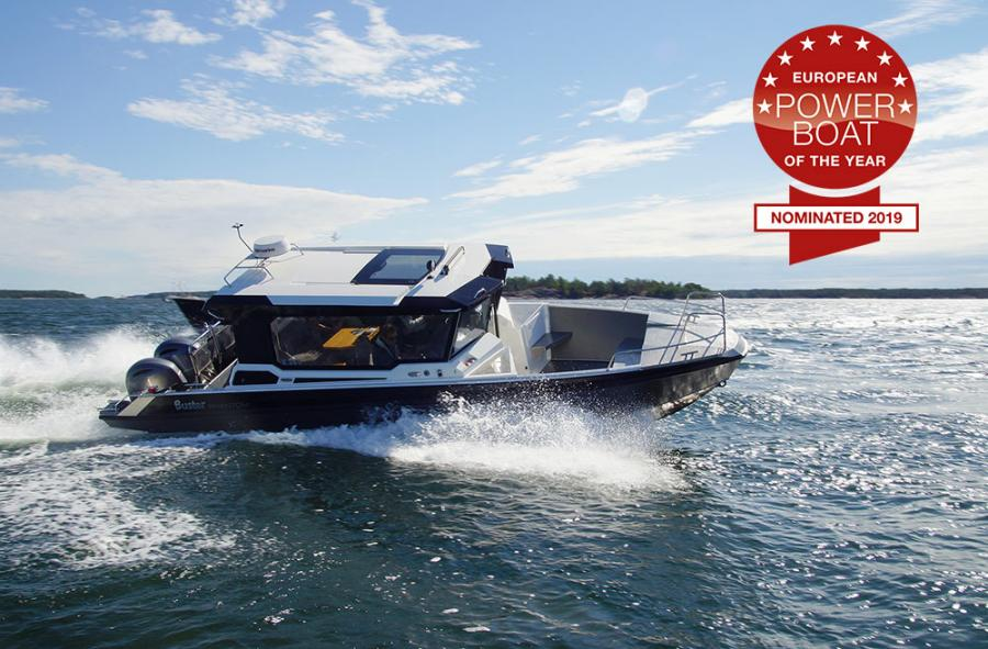 Powerboat of the year 2018 Buster Phantom Cabin aluminium boat