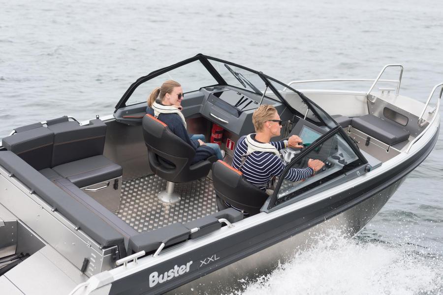 Helsingin venemessuilla esiteltävä uutuusmalli Buster XXL 2020