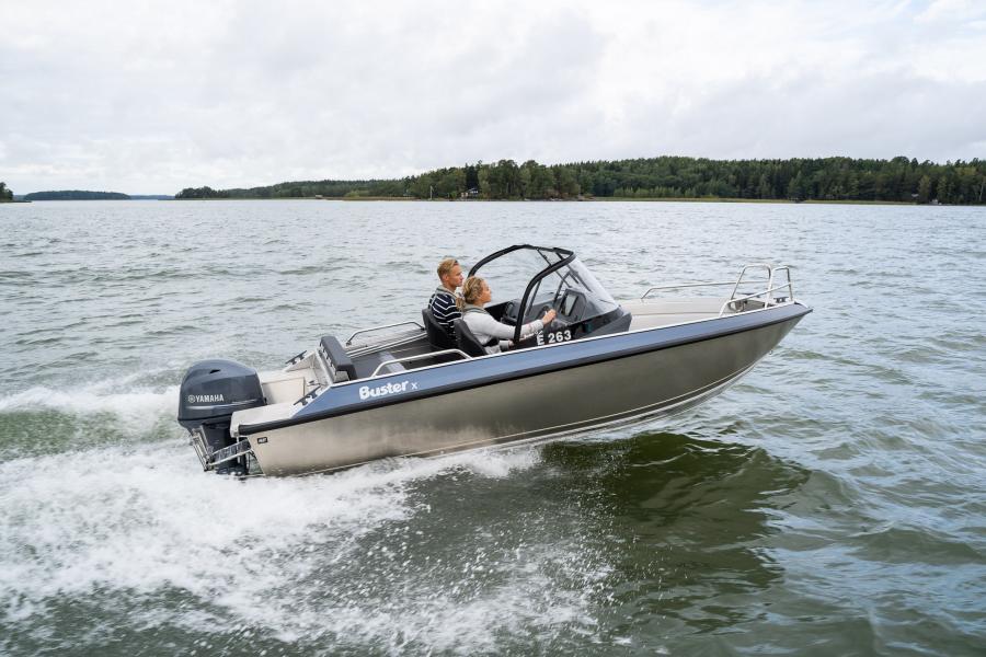 Tarjousvene Buster Magnum + Yamaha F225 perämoottori