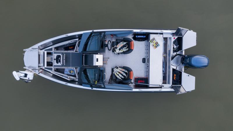 Buster XL 2020 fishing