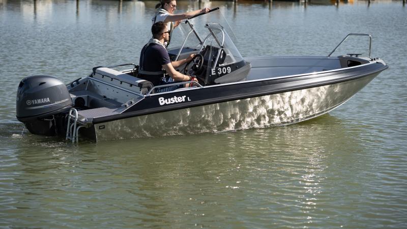 alumiinivene Buster L2