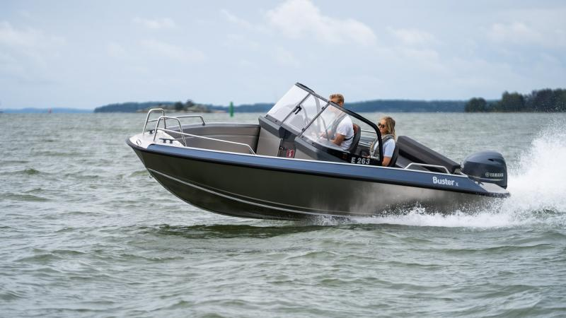 Buster X is versatile boat that adapts to your needs