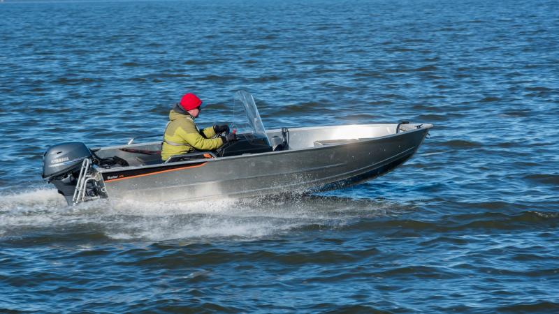 Buster XSr is stable boat