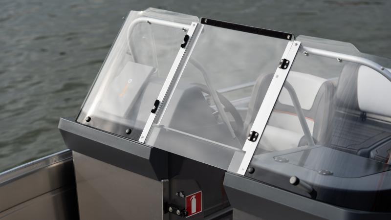 Buster Lx has a wrap-around windscreen