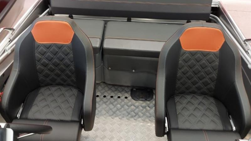 Buster Lx seats